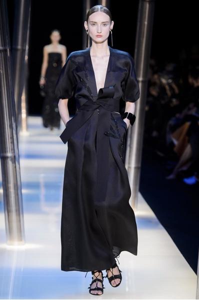 На Неделе высокой моды в Париже прошел юбилейный показ Giorgio Armani Prive | галерея [2] фото [23]
