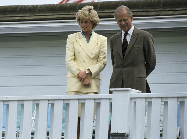 Фото №7 - Как принцесса Диана вносила разлад в брак Елизаветы II и принца Филиппа