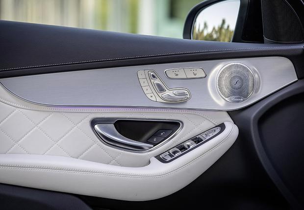 Фото №3 - Mercedes GLC-класса: вызываем помощницу