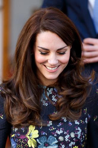Фото №2 - Королевская укладка: новый beauty-тренд от герцогини Кембриджской