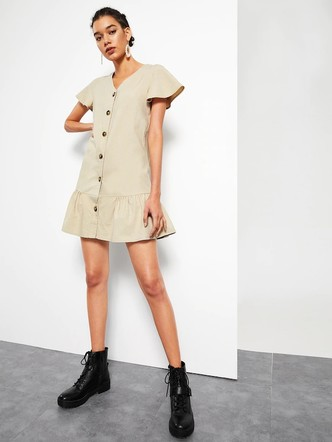 Фото №1 - 10 платьев-oversize, которые скроют все недостатки фигуры