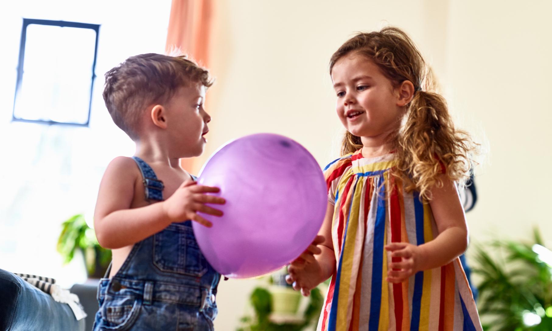 Как обустроить комнату для разнополых детей: 14 примеров с фото