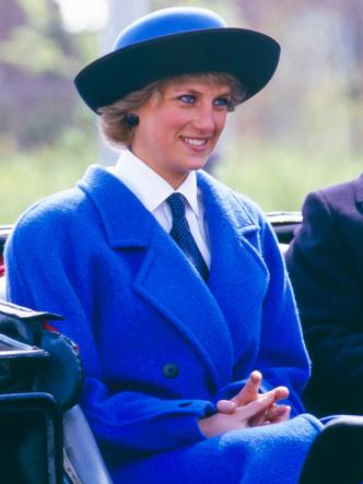 Фото №14 - Одним цветом: как королевские особы носят монохромные образы— 30 вдохновляющих примеров