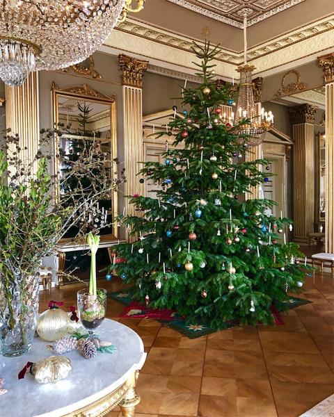 Фото №19 - Праздничное убранство резиденций королей и президентов в ожидании Рождества и Нового года