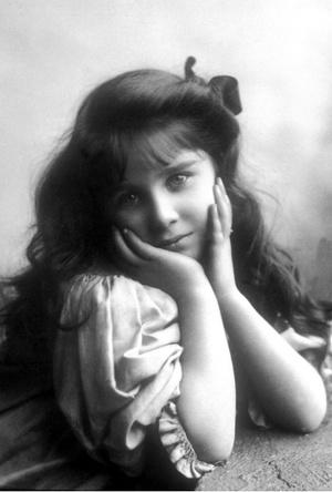 Фото №10 - На кого все больше становится похожа принцесса Шарлотта (это вовсе не Елизавета II)