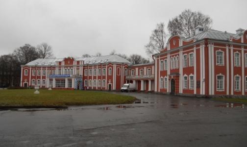 Фото №1 - Университет Мечникова расстанется с недостроем, чтобы восстановить общежитие для студентов