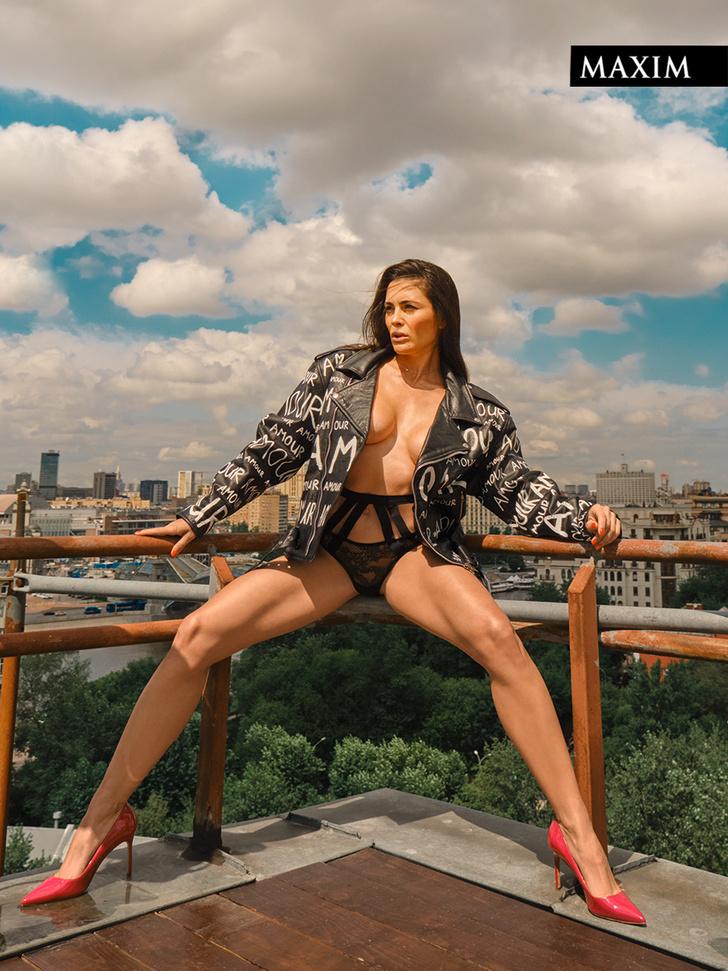 Фото №3 - Соседка сверху. Актриса Виктория Полторак в фотосессии MAXIM