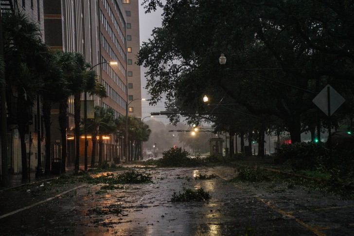 Фото №2 - Ураган «Ида» ударил по Луизиане и обратил вспять реку Миссисипи
