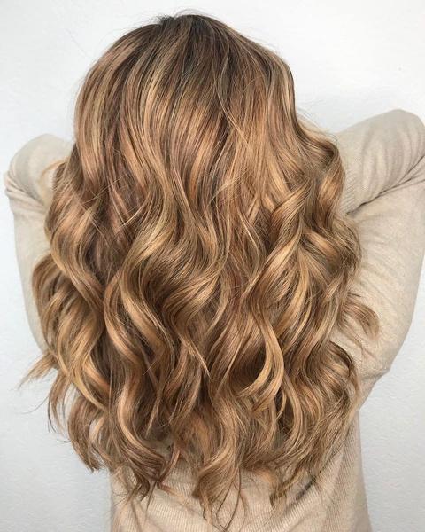 Фото №6 - Стрижка каскад: 10 модных вариантов на средние и длинные волосы