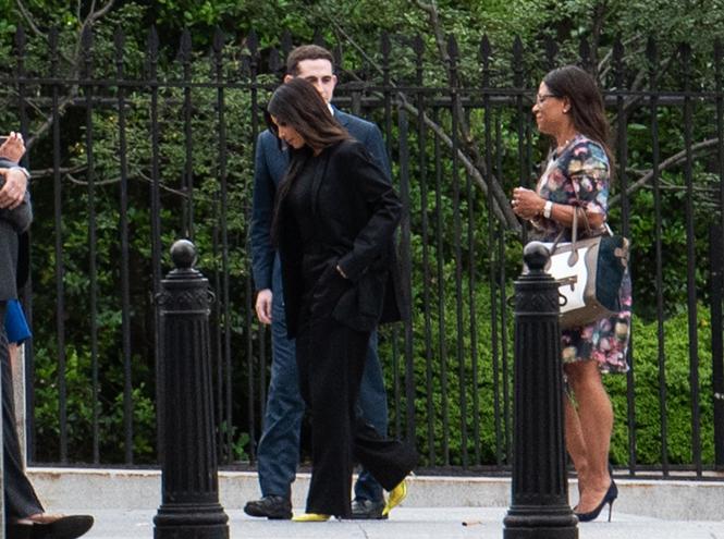 Фото №2 - О чем Ким Кардашьян просила Трампа на встрече в Белом доме