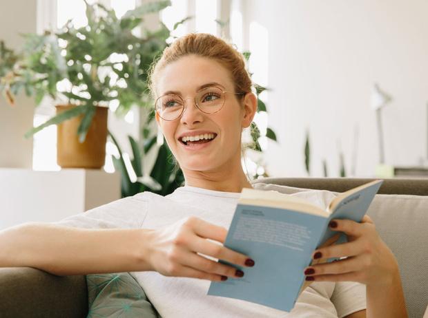 Фото №1 - Читай и смейся: 8 книг для отличного настроения