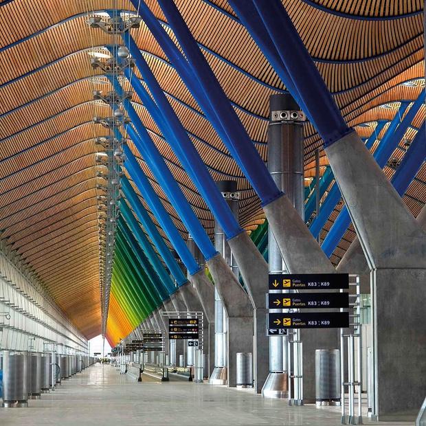Фото №14 - 10 самых красивых аэропортов мира