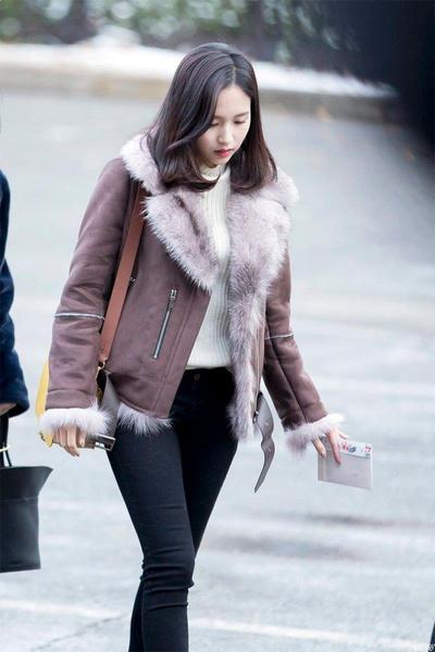 Фото №4 - Как одеваться, чтобы не мерзнуть: тренды зимнего стиля корейских айдолов