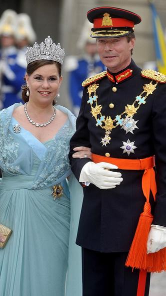 Фото №2 - Самые красивые и дорогие тиары королевской семьи Люксембурга