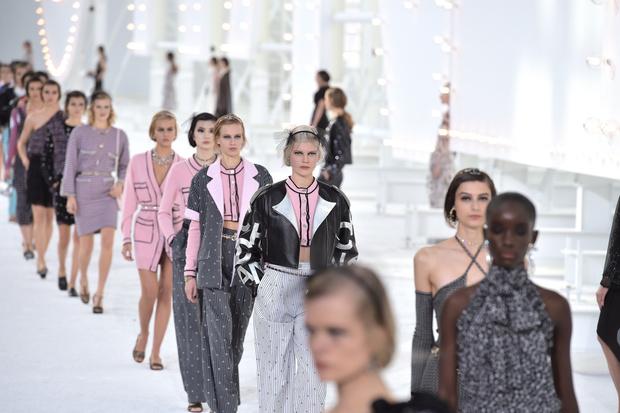 Фото №1 - Модный дом Chanel создаст Международный культурный фонд