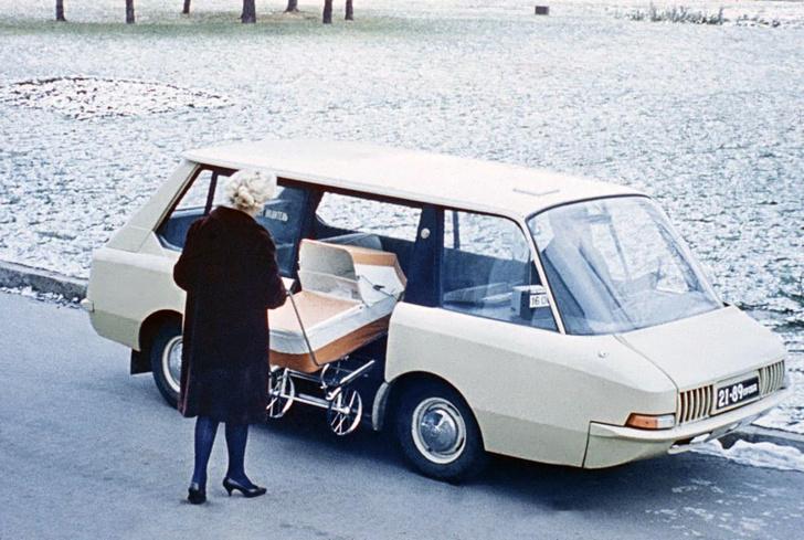 Фото №1 - Гениальное советское такси, которое не оценили