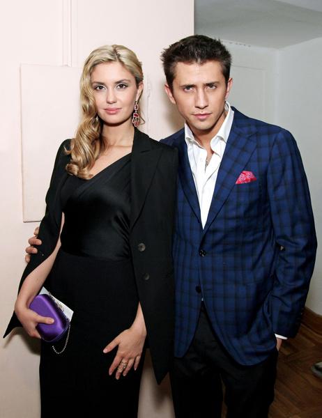 Фото №1 - Прилучный и Муцениеце объявили о разводе