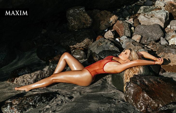 Фото №2 - Морская фигура: новая фотосессия Натальи Рудовой в MAXIM