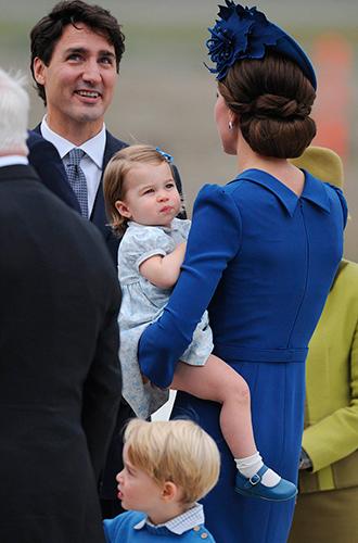 Фото №16 - Принц Джордж, принцесса Шарлотта и Кейт Миддлтон стали звездами канадского тура