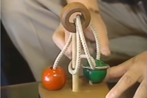 Фото №1 - Нерешаемая японская головоломка, решенная спустя 10 лет (видео)