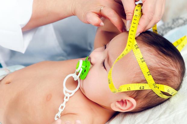 Фото №1 - «Зачем у грудничка измеряют окружность головы?»
