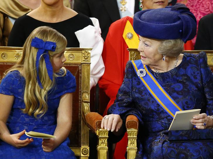 Фото №10 - Короли на пенсии: 8 монархов, которые отреклись в пользу детей