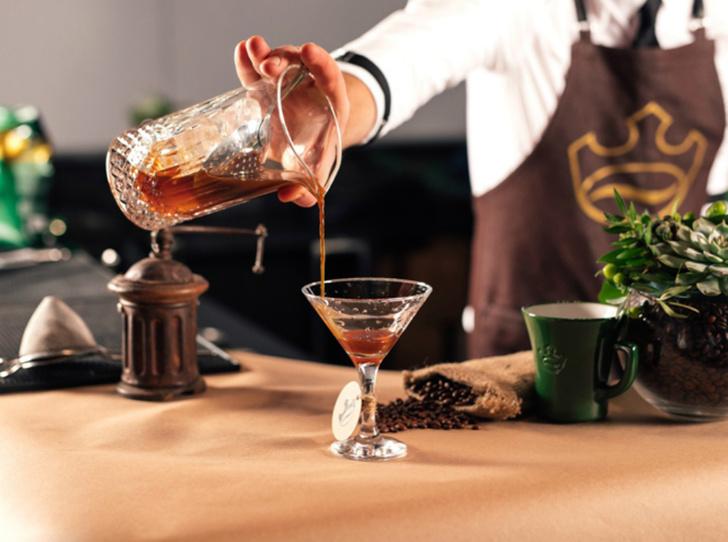 Фото №11 - 5 нескучных кофейных напитков для длинной рабочей недели