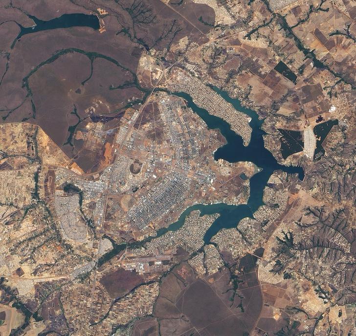 Фото №2 - Бразилиа: самый сумасшедший градостроительный проект в истории