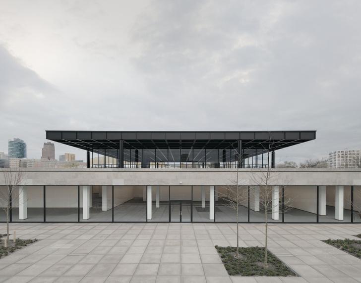 Фото №3 - Последнее здание Людвига Миса ван дер Роэ открылось после реконструкции