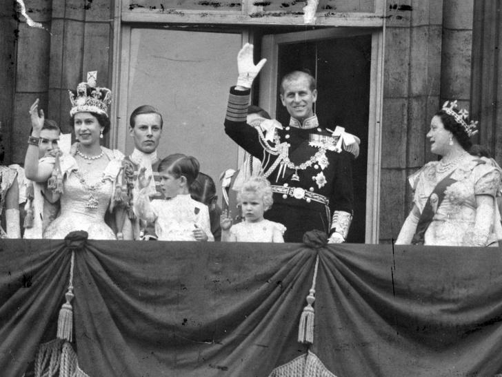 Фото №2 - Почему принц Филипп не хотел переезжать в Букингемский дворец вслед за Елизаветой