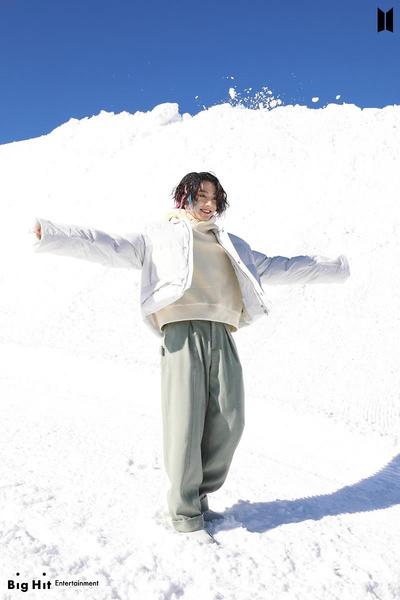 Фото №38 - Снежные ангелы: Big Hit Entertainment выложил 65 новых фото BTS 😍