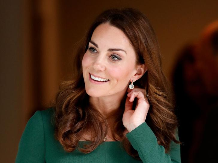 Фото №5 - Золотое сечение: единственный рейтинг, в котором Кейт уступила Меган