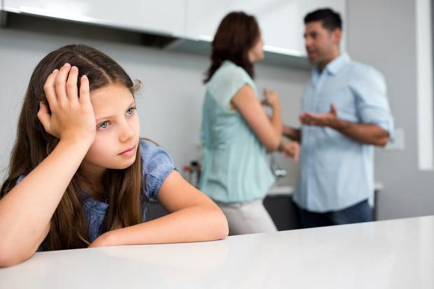 Фото №1 - Вопрос дня: Как себя вести, если родители разводятся?