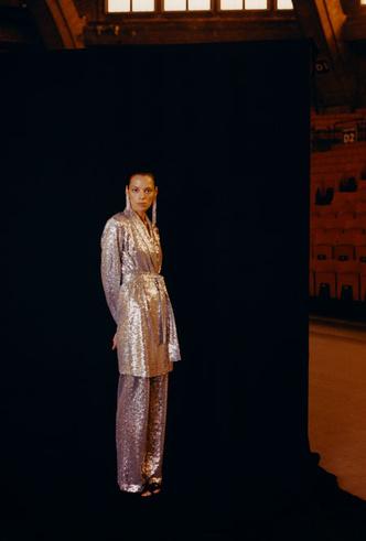 Фото №4 - Как превратить повседневный наряд в вечерний (и наоборот): модная инструкция Reserved