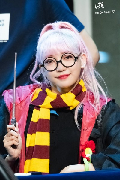 Фото №6 - 11 айдолов-поттероманов, которые без ума от «Гарри Поттера»