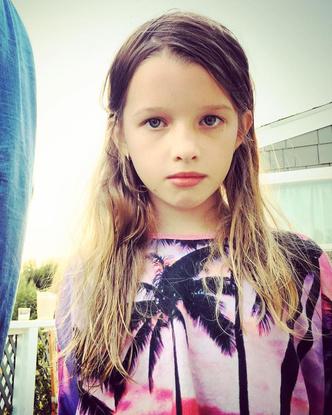 Фото №1 - Из утенка— в лебедя: первый выход в свет 13-летней дочки Миллы Йовович