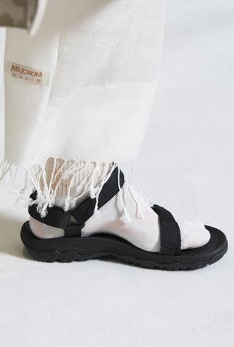 Фото №28 - Самая модная обувь весны и лета 2019