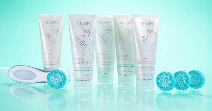 Фото №1 - Глубокое очищение кожи без визита к косметологу: домашняя система ухода AgeLoc LumiSpa