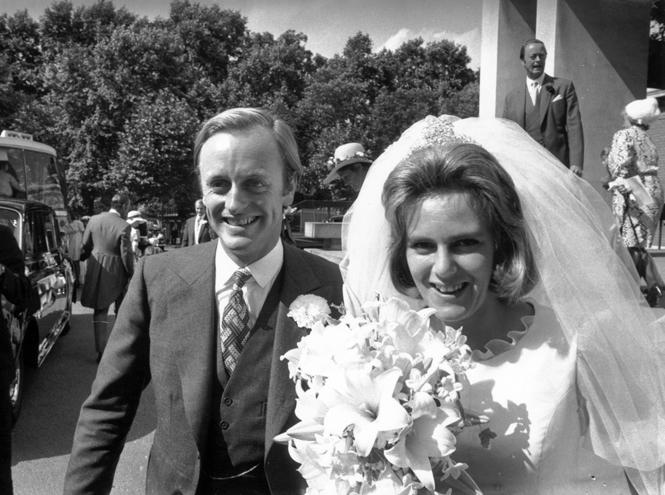 Фото №4 - Принц Чарльз и его Камилла: двое против всех