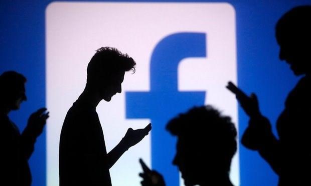 Фото №1 - Facebook создаст собственный клон, населенный ботами