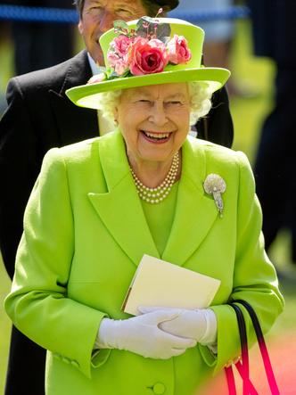 Фото №3 - Королевские скачки: 8 главных правил стиля для каждой гостьи