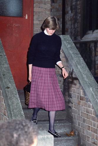 Фото №7 - Все оттенки сирени: как королевские особы носят фиолетовый цвет