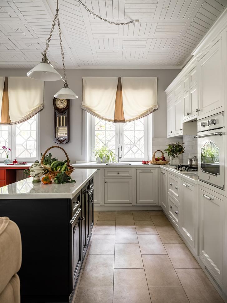 Фото №2 - Дачный дом с печью и винтажной мебелью в Подмосковье