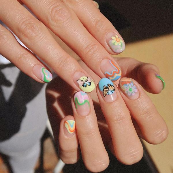 Фото №4 - Маникюр с бабочками— самый креативный и стильный бьюти-тренд этой осени из Инстаграма 🦋