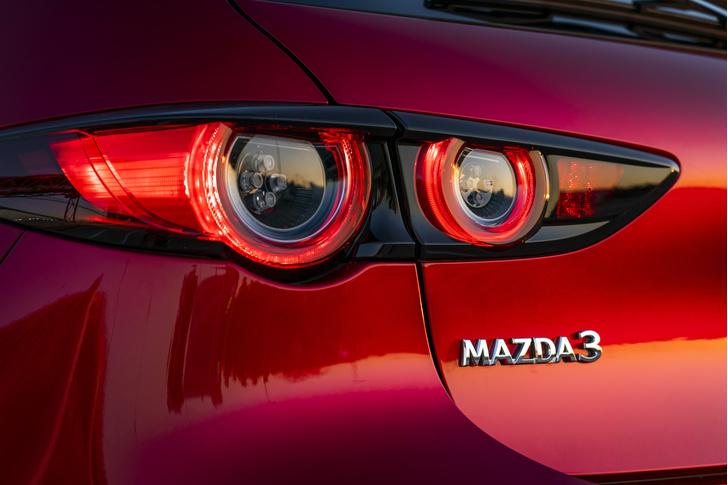Фото №5 - Mazda 3: забыть про кроссоверы