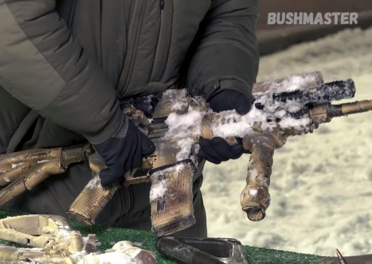 Фото №1 - Как переживут заморозку наш АК-200, американская винтовка и немецкий автомат? Эксперимент от «Калашникова»