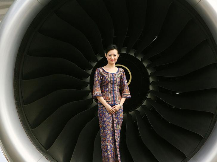 Фото №1 - Высший пилотаж: почему униформа «Сингапурских Авиалиний» не меняется 50 лет