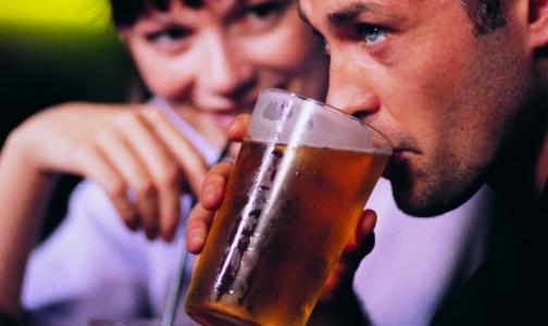Фото №1 - На бутылках с алкоголем хотят печатать устрашающие картинки