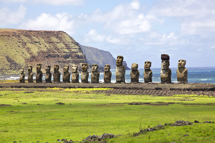 Фото №1 - Статуи на острове Пасхи под угрозой разрушения из-за изменения климата