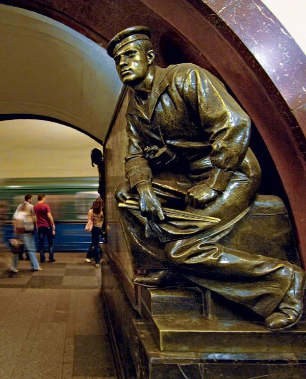 Фото №2 - 15 удивительных фрагментов московского метро